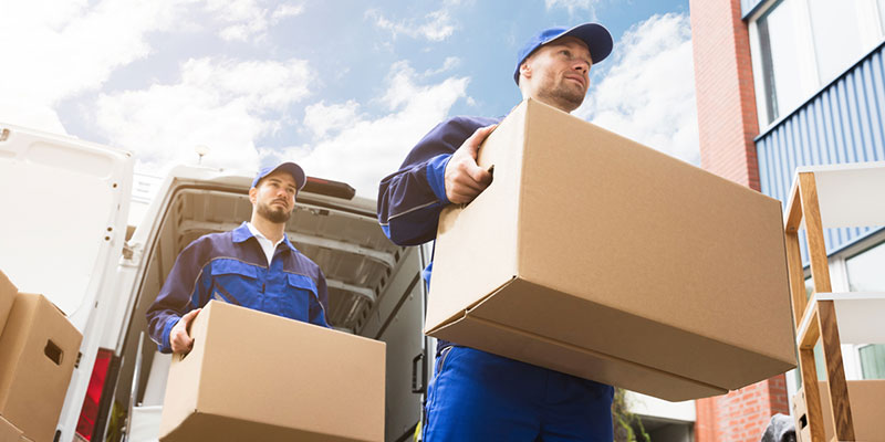 4 Reasons to Hire Long-Distance Movers for Your Big Move